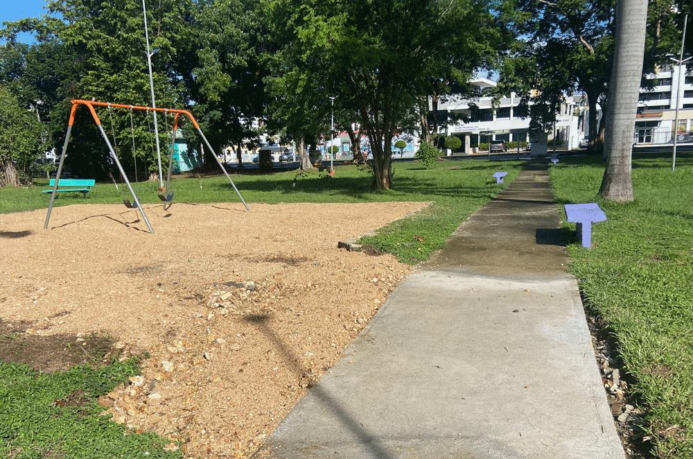 Área de columpios parque gándara